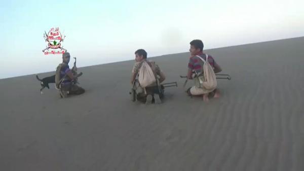ألوية العمالقة تنشر فيديو مروع للحظة مقتل مصور الإعلام الحربي الحوثي اثناء خرقهم للهدنة