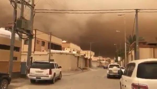 هذا ما حدث اليوم في العاصمة السعودية الرياض .. شاهد (فيديو)