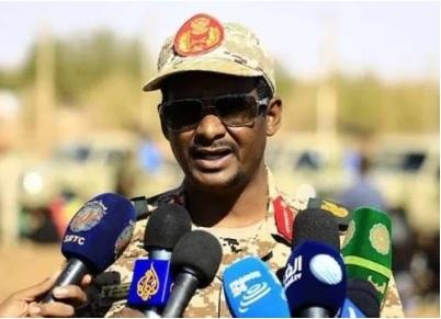 بالفيديو: قائد قوات الدعم السريع بالسودان يخرج عن صمته ويكشف كواليس عزل البشير