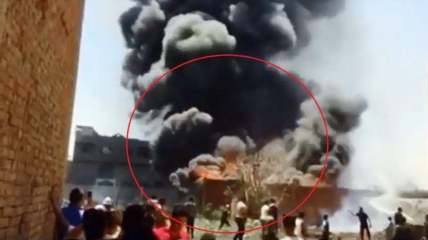 انفجار ضخم بمصنع كيميائيات وسط تجمع سكاني في مصر (فيديو)