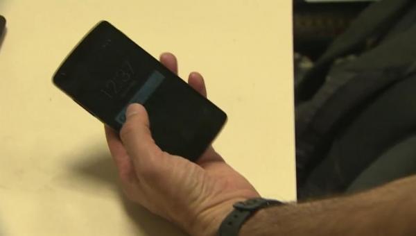 ثغرة بواتساب.. شاهد كيف يتم اختراق هاتفك في غضون 10 ثوان (فيديو)