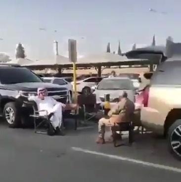 أول فيديو لأمير عسير خلال متابعته سير عمل مطار أبها الدولي بعد استهدافه بصاروخ باليستي