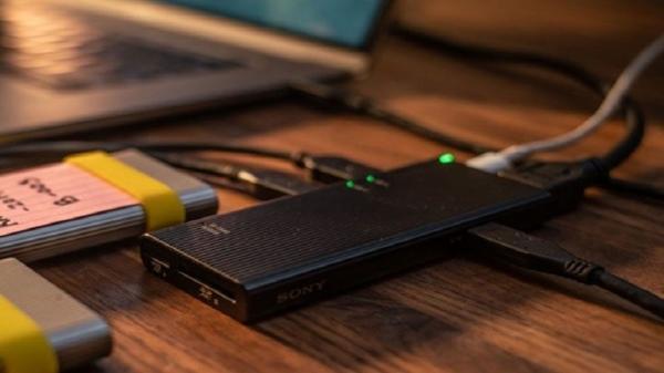 اختراع جديد: «سوني» تعرض أسرع موزع لبيانات بطاقات الذاكرة في العالم! (فيديو)