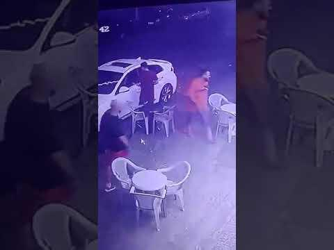 فيديو مروع شاهد لحظة إصابة مالك نادٍ ليلي بـ 5 رصاصات من قبل شخصين في الأردن