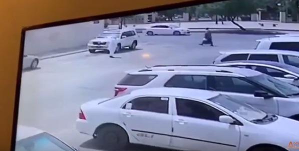 شاهد فيديو.. السعودية.. لحظة إحراق سيارة مواطن لأسباب مجهولة