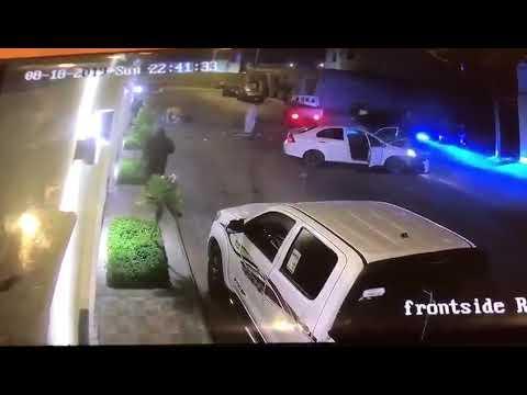 فيديو يظهر اصطدام 3 سيارات ببعضها البعض عمداً في أحد مناطق المملكة السعودية