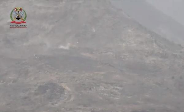 شاهد فيديو قوة المعارك (وجها لوجه) التي شهدتها منطقة نهم بصنعاء، وتحرير آخر قمة من سلسلة جبال البياض