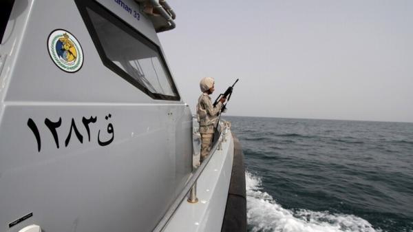 التحالف العربي يكشف عن تدمير زورق مفخخ ومسير أطلقه الحوثيون قبالة الحديدة في اليمن