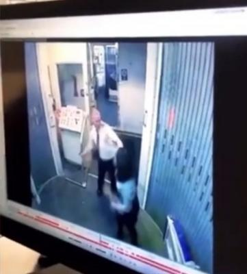 فيديو على متن طائرة يتسبّب في طرد طيّار ومساعدته من العمل