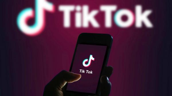 اعضاء بـ «الكونجرس» يحذرون من خطورة تطبيق «تيك توك» على الأمن القومي
