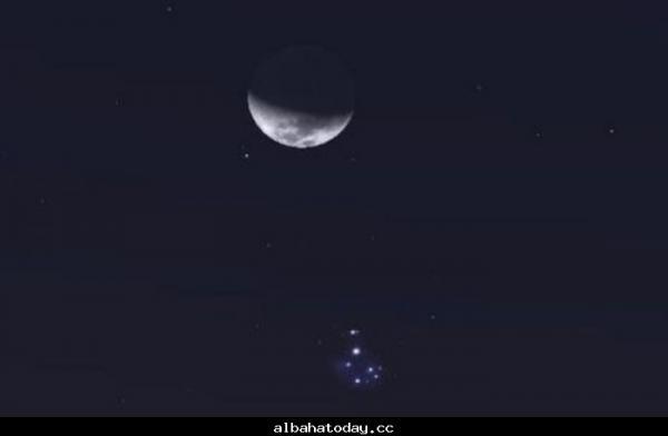موعد إقتران القمر بالثريا في قِرَان خامس عشر  (تفاصيل)