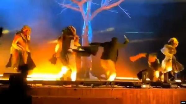 مفاجأة.. بالسعودية.. يمني ينفذ عملية طعن على خشبة مسرح في حديقة الملز بالرياض (صورة + الاسم)
