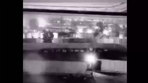 """بالفيديو.. لحظة """"قصف سليماني والمهندس"""" قرب مطار بغداد"""