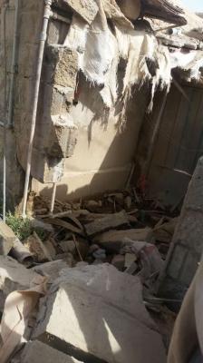 غارة جوية أمريكية تستهدف منزلاً في وادي عبيدة بمأرب (صورة)