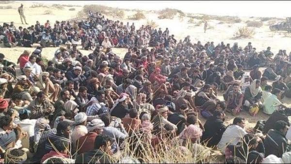 الصحفي اليافعي يعلق على صورة لتجمع أكثر من 500 شخص بمأرب طوقهم الأمن !