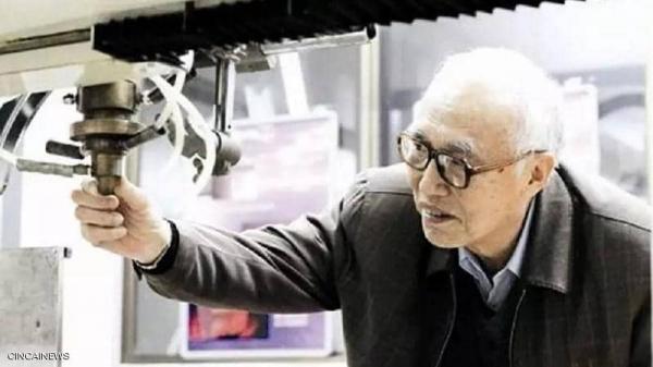 """توفي في عمر 86 عاما.. """"كورونا"""" يخطف العالم البارز في مجال الهندسة الطبية"""