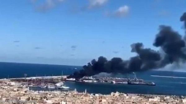 """""""الجيش الليبي"""" يقصف سفينة تركية محمّلة بالأسلحة"""