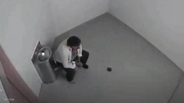 لقطات من الزنزانة تكشف خطأ مخيفا ارتكبته الشرطة.. والثمن 4.5 مليون دولار