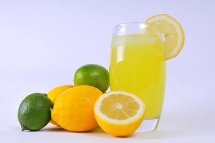 منها انقاص الوزن.. كوب من الماء الدافئ مع الليمون في الصباح يمنحك المميزات التالية !