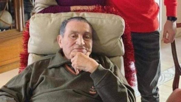 وعكة صحية تدخل حسني مبارك إلى العناية المركزة