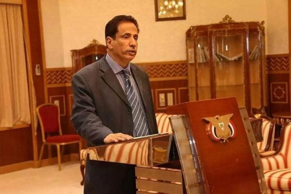الرئيس هادي يطيح بباكريت من منصب محافظ المهرة ويعين بديلا عنه (سيرة ذاتية)