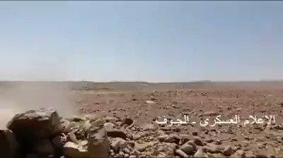 شاهد جانب من ضراوة المعركة الشرسة التي تدور بين القوات الحكومية والحوثيين في جبهة المحزمات بالجوف