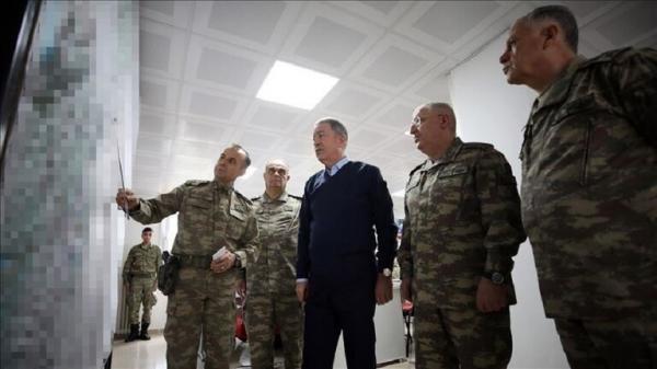 وزير الدفاع التركي يقود بنفسه العمليات في إدلب