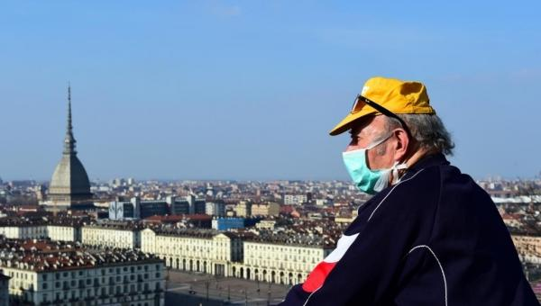 """الصحة العالمية"""" تعلن أوروبا بؤرة لتفشي كورونا وتدعو العالم لرصده واحتوائه"""