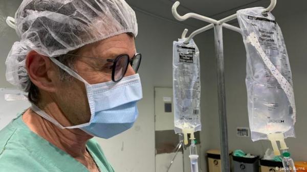 غوتز غيريزهايم طبيب تخدير ألماني من منظمة أطباء بلا حدود في اليمن