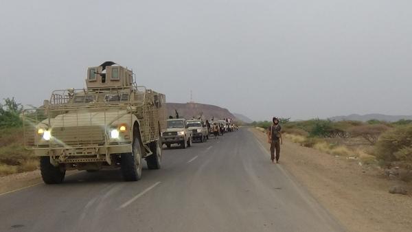 القوات المشتركة تحبط محاولتي تسلل للحوثي في الحديدة وتسقط مسيرة وتأسر قياديين (تفاصيل)