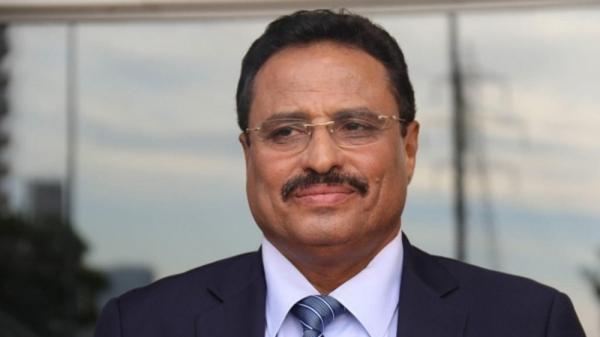 صحيفة: الرئيس هادي اوقف العمل بقرار وقف الوزير الجبواني عن العمل