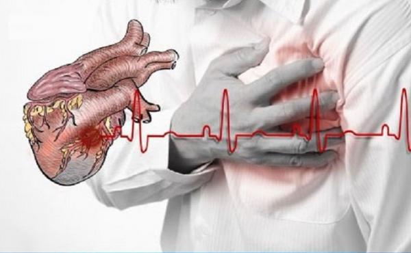 إحداها تُصيب بـ«نوبة قلبية».. 6 عادات خاطئة تجنب فعلها بعد الأكل مباشرة