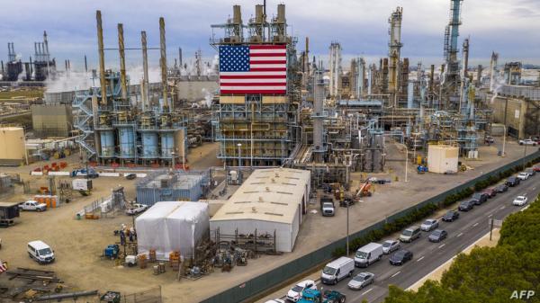 سالب 37.. ما معنى انهيار سعر النفط الأميركي؟ وما تبعاته على الشرق الأوسط؟