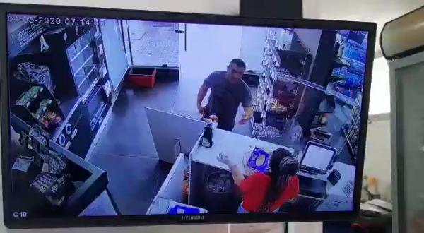 في جريمة بشعة.. عريف في الجيش اللبناني يعدم صديقته ثم ينتحر وكاميرا المراقبة ترصد الحادثة