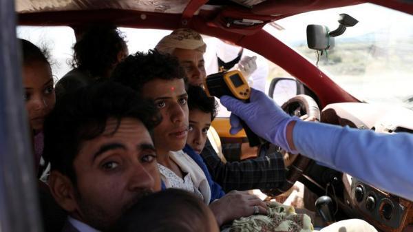 اسوشيتد برس: الحوثيون يغطون عددا متزايدا من الحالات المصابة بكورونا لحماية اقتصادهم وقواتهم
