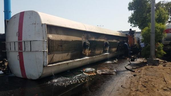 تفاصيل الانفجار الهائل الذي هز مدينة عدن ظهر اليوم وتسبب بأضرار كبيرة !