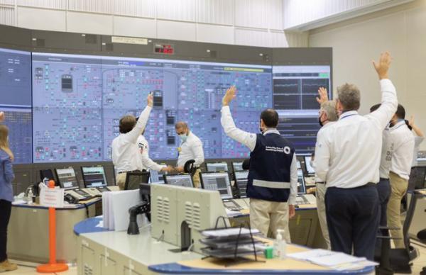 في انجاز كبير للعرب.. الإمارات تعلن عن تشغيل أول مفاعل للطاقة النووية في العالم العربي