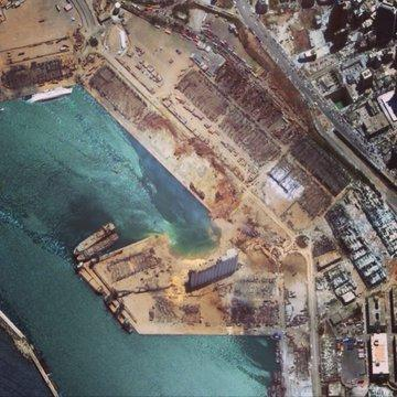 الرئيس اللبناني يتحدث عن فرضية الصاروخ في انفجار بيروت.. ويرفض التحقيق الدولي