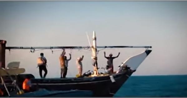 شاهد فيديو كامل.. لاعترافات خلية حوثية تعمل ضمن شبكة تهريب الأسلحة الإيرانية للحوثيين