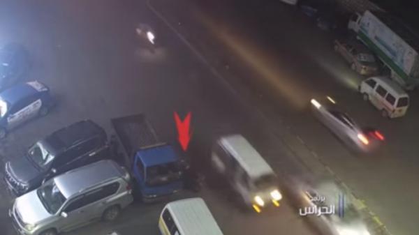 وقع في فخها الكثير من الضحايا.. أمن صنعاء يطيح بعصابة خطيرة تسرق الاكراه وتحت تهديد السلاح (كشف جرائمهم بالفيديو)