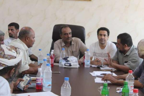هذا ما قام به مدير مديرية خور مكسر في عدن في أول يوم له بعد تكليفه !