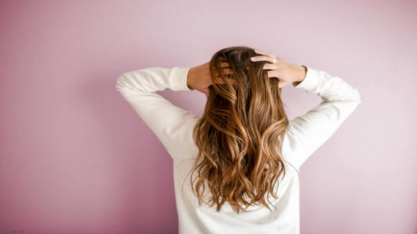 الكشف عن وجبه خفيفة متوفرة في كل منزل.. تساعد في علاج تساقط الشعر !