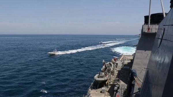 الحرس الثوري الإيراني يكشف عن إجراء اتصال مع حاملة طائرات أمريكية في الخليج