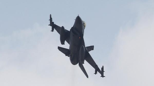 الطيران التركي يتدخل في المعارك بين اذربيجان وارمنيا ويسقط طائرة ومقتل طيارها