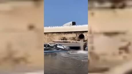 في حادث مروع بالسعودية.. مقتل واصابة 7 اشخاص بانقلاب صهريج على 3 سيارات - فيديو