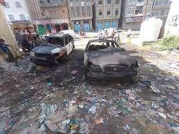 في تواطؤ مع الأمن.. إحراق سيارة مسرب فيديو تصفية المغربي بمستشفى في تعز