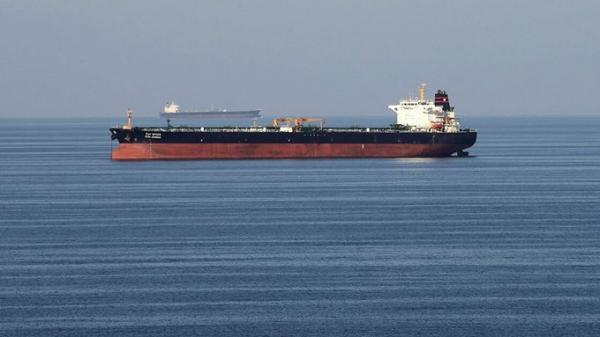 شركة سومو توضح ملابسات التصاق لغم بإحدى السفن في مياه الخليج