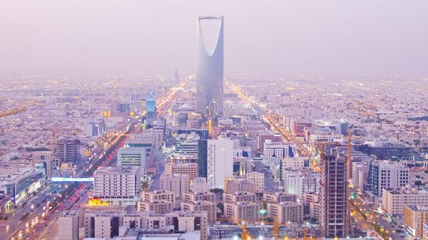 فيديو قديم لضابط كبير في الاستخبارات الامريكية يعترف ان السعودية تمتلك قنابل نووية !