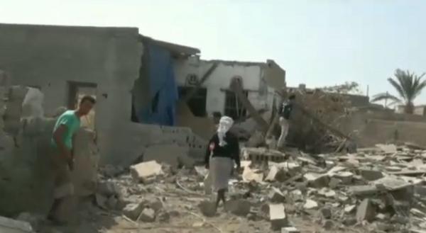 قصف حوثي يدمر خمسة منازل للمواطنين في هذه المنطقة ! (فيديو)