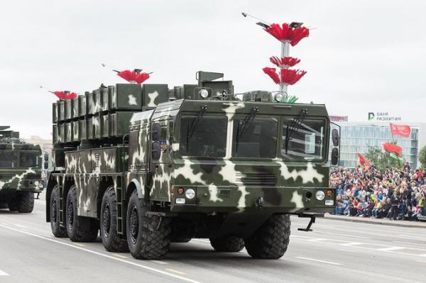 مصر تبحث إنتاج محلي لصواريخ باليستية ونظام دفاع جوي وأنظمة أخرى مع بيلاروسيا